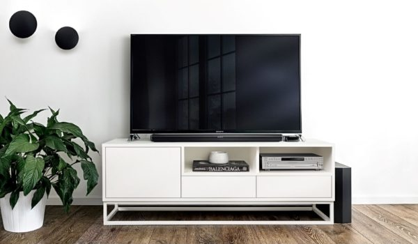 Bankside white TV Unirt roomset1 small
